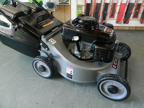 Push Lawn Mower MULCH OR CATCH -19 inch cut + solid catcher powered by a 5.5HP Honda engine